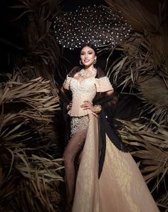 an experiential beauty, lifestyle and travel site based in the Philippines. Paolo Ballesteros, Filipiniana Dress, Spanish Dress, Gala Dresses, Beauty Queens, Pageant, Vic Australia, Gowns, Costumes