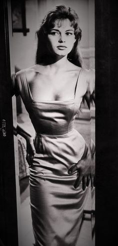 Cinema spettacolo fotografia danza e altro - Brigitte Bardot Brigitte Bardot, Bridget Bardot, Bb Style, Peplum Dress, Bodycon Dress, Jayne Mansfield, Golden Girls, Vintage Beauty, Beautiful Celebrities