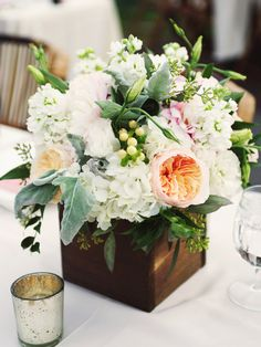 To see more fabulous wedding flower ideas: http://www.modwedding.com/2014/11/17/get-inspired-spectacular-wedding-flower-ideas-swoon-floral-design/  #wedding #weddings #bridal_bouquet photo: Amaryllis Images