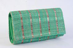 green artesanal clutcher