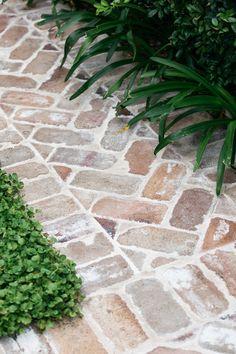Backyard Garden Design, Backyard Patio, Balcony Garden, Garden Paving, Garden Paths, Back Gardens, Outdoor Gardens, Outdoor Landscaping, Outdoor Rooms