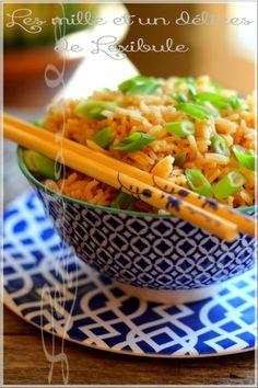 Un p'tit bol de riz basmati asiatique ça vous dit?! À déguster sans se priver tellement c'est bon! À vos baguettes ;)  Excellent servi en accompagnement avec mes Côtes levées à l'asiatique.  ~Note: J'ai ajouté des oignons verts pour un peu plus de goût et de couleur.