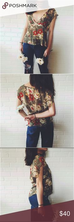 🆕 Gorgeous V Neck Sheer Floral Blouse Gorgeous V Neck Sheer Floral Blouse. Feel like a fairy princess in this sheer garden blouse, with its floral print and super unique flattering cut. Vintage Jones New York. Tag reads size 6 will best fit a medium as seen on a XS/S model. #blouse #vintage Free People Tops Blouses