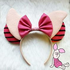 Piglet ears — 100 Mickey Mouse Ears - A girl and a glue gun Disney Minnie Mouse Ears, Diy Disney Ears, Disney Bows, Disney Diy, Disney Crafts, Mickey Ears Diy, Micky Ears, Disney Ideas, Disney Outfits