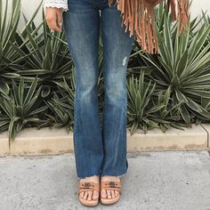 bd6326f6a4d1 Loving this boho vibe from  beehivemb rocking the Original Sandal. Dr  Scholls Sandals