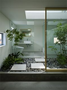 Indoor bathroom garden #dutchtreehouse #design #garden