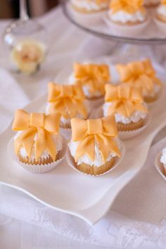 Orange wedding dessert idea - mini cupcakes with orange bows {Limefish Studio} Bow Cupcakes, Orange Cupcakes, Baking Cupcakes, Wedding Cupcakes, Decorated Cupcakes, Cupcake Art, Cupcake Cakes, Wedding Cake Photos, Beautiful Cupcakes