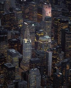 """""""New York City-The City that Never Sleeps"""" on FB 20190506 - Photo by Paul Seibert New York Pictures, New York Photos, Autumn In New York, Chrysler Building, I Love Ny, Nyc Photographers, City That Never Sleeps, Dream City, Living In New York"""