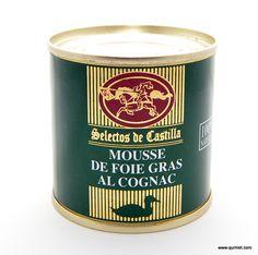 Mousse de Foie Gras de Pato al Cognac.  La mousse de foie gras de pato al cognac es una emulsión a base de hígado graso de pato y aroma de cognac triturado sometido a calor y presion para la elaboración de su conserva. Se dice que el mouse de foie gras es el primer paso para conocer la familia del foie gras.