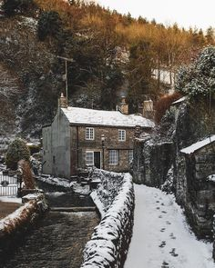 """Photos Of Britain on Instagram: """"Tag a friend who would love to explore the Peak District, England in this snowy weather! Great shot taken yesterday by @jameslloydcole of a…"""""""