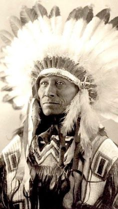 White Whirlwind from the Oglala Lakota tribe, Missouri, Native American Pictures, Native American Wisdom, Native American Beauty, Native American Tribes, American Indian Art, Native American History, American Indians, Native Americans, Native Indian