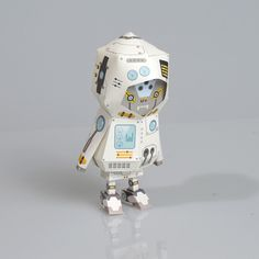 [ ROBOT ] Paper toy of Boogiehood on Toy Design Served