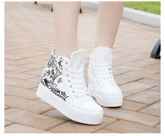 Different Types Of Sneakers Pretty Shoes, Beautiful Shoes, Fashion Heels, Sneakers Fashion, Kawaii Shoes, Ankle Sneakers, Mode Shoes, Sneaker Heels, Dream Shoes