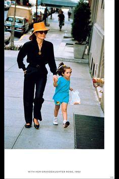 Honoring Jackie O: 10 Rarely-Seen Images - HarpersBAZAAR.com
