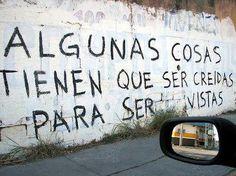 LA CUEVA :: frases celebres EN BARDAS Y CALLES
