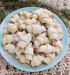 Cornulete fragede cu gem Cake Recipes, Dessert Recipes, Diy Food, Tiramisu, Biscuits, Diy And Crafts, Stuffed Mushrooms, Food And Drink, Sweets