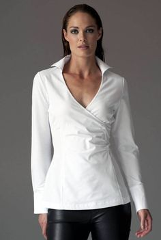 Are you interested in our White jersey shirt? With our White shirt you need look no further. White Shirts Women, Blouses For Women, Classic White Shirt, Business Shirts, Business Casual, White Button Down, White Jersey, Jersey Shirt, Leather Trousers