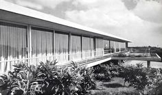 Casa Fernández, Paseo del Pedregal 421, Jardines del Pedregal, México, DF 1956    Arq. Francisco Artigas