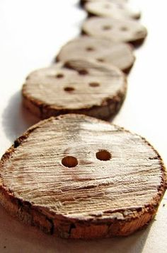 Make custom buttons out of branches...find out how here. | DIY buttons | nature craft | wooden buttons