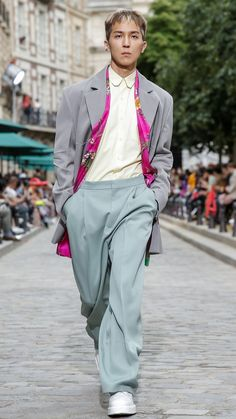 being the ever Idol to walk the Paris Fashion Runway Paris Fashion, Runway Fashion, Mino Winner, Song Minho, Mobb, Kpop Guys, Kpop Fashion, My Daddy, Fashion Images