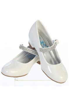 Elegant flower girl shoes with slight heel and adjustable buckle, trimmed with alternating rows of rhinestones. Perfect for the big day & any other special occasion.