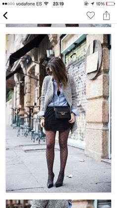 Falda negra y camisa vaquera