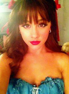 Ariana grande dorothy makeup