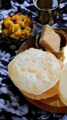 Luchi / Bengali style Puri (Puffed Bread) - Spicy World Simple and Easy Recipes by Arpita Easy Recipes, Snack Recipes, Easy Meals, Snacks, Veg Curry, Bengali Food, Perfect Breakfast, Spicy, Chips
