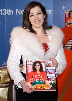 Nigella Lawson could face a drugs test before she is granted permission to enter the US, according to reports. The TV chef was reportedly barred from boarding a flight at to Los Angeles at the weekend. Nigella Kitchen, Nigella Christmas, Tv Chefs, Nigella Lawson, Catherine Zeta Jones, Young At Heart, Christmas Goodies, Perfect Woman, Celebs
