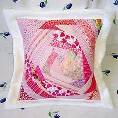 Como fazer uma almofada de retalhos em patchwork Crazy | Vila do Artesão