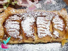 ΜΗΛΟΠΙΤΑ ΜΕ ΚΡΕΜΑ - Νόστιμες συνταγές της Γωγώς! Greek Sweets, Candy Recipes, Lemon Grass, Waffles, French Toast, Food And Drink, Cookies, Breakfast, Desserts