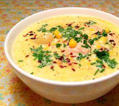 Cremet og fyldig suppe med majs, kartofler og laks