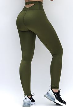 Running Leggings, Girls In Leggings, Leggings Are Not Pants, Women's Leggings, Workout Attire, Workout Pants, Ladies Gym Wear, Yoga Pants With Pockets, Fashion Tights