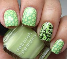 turtle-themed nails