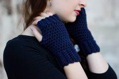 Navy blue cozy fingerless gloves <3