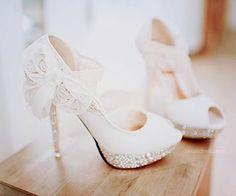 Trend Gelin Ayakkabıları 2013 http://modelgelinlik.net/trend-gelin-ayakkabilari-2013/