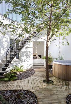 outdoor area / courtyard / garden