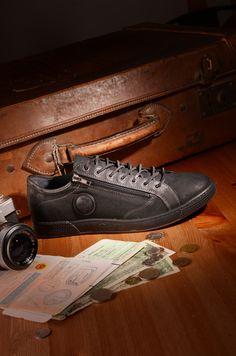 Pataugas FW16 - Baskets JAY en cuir noir / A shopper ici: http://www.pataugas.com/jay-n-sneakers-mix-de-cuirs/#article=26322
