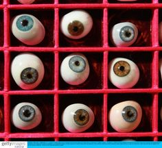 Eyes & eyes & eyes...