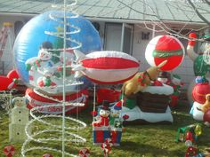 PT NOV 2014 LOTS OF THINGS IN THIS CHRISTMAS YARD.