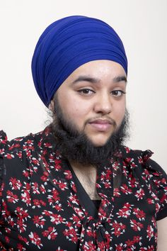 A woman who was driven to self-harm by bullies who teased her mercilessly about her excessive facial hair has embraced her condition and now sports a full beard. Harnaam Kaur has polycysti. Female Facial Hair, Bearded Lady, Beard Model, Hairy Women, Full Beard, She Was Beautiful, Beautiful People, Grown Women, Beauty Shots