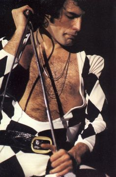 This was such a great concert! The awesome Freddie Mercury of Queen