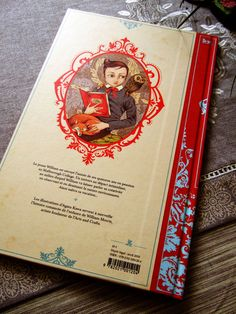 Storybook back cover 'Le livre rouge' by Agata Kawa