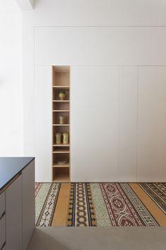 https://www.dezeen.com/2017/12/17/pietro-airoldi-transforms-old-sicilian-apartment-bright-open-plan-space-interiors-italy/?utm_source=facebook.com&utm_medium=referral
