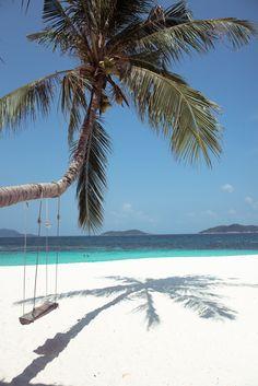 Turquoise and palms - RAWA ISLAND – MALAYSIA. SPELL Hotel Paradiso