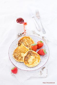 Recipe for semolina pancakes - they taste great for everyone! (Desserts) - Dessert recipes, semolina recipes, pancake recipes: Recipe for semolina pancakes from herzelieb. Sweets Recipes, Cupcake Recipes, Baby Food Recipes, Snack Recipes, Semolina Recipe, Pancake Healthy, Amazing Food Photography, Crepes And Waffles, Buttermilk Pancakes