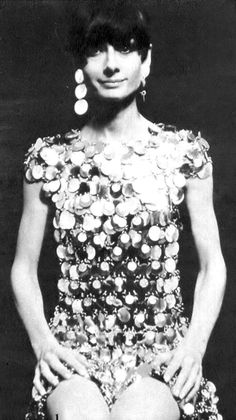 Audrey Hepburn in Paco Rabanne: Learn how the iconic designer got his start at the Vintage Fashion Guid brought to you by Rice and Beans Vintage. Paco Rabanne, Audrey Hepburn Mode, Divas, Ali Mcgraw, Vintage Outfits, Vintage Fashion, 1960s Fashion, My Fair Lady, Mode Vintage