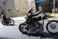 Source : deathtrapsanddirtytramps Hot Rod Rat Rod Chopper Bobber Cafe Racer Kustom Kulture babes