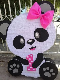 Discover recipes, home ideas, style inspiration and other ideas to try. Panda Themed Party, Panda Birthday Party, Panda Party, 3rd Birthday Parties, Baby Birthday, Birthday Party Decorations, Panda Baby Showers, Unisex Baby Shower, Shower Bebe