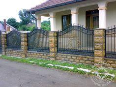 House Fence Design, Door Gate Design, Brick Fence, Fence Gate, Garden Railings, House Construction Plan, Iron Work, Pop Design, Villa